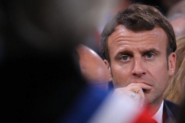 Emmanuel Macron lors du grand débat national à Cozzano le 4 avril 2019.