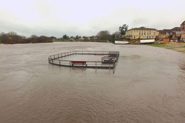 De nombreuses voies sur berge sous les eaux, Bergerac n'a pas échappé au phénomène