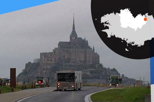 Les navettes chargées de transporter les touristes, sur le site du Mont-Saint-Michel