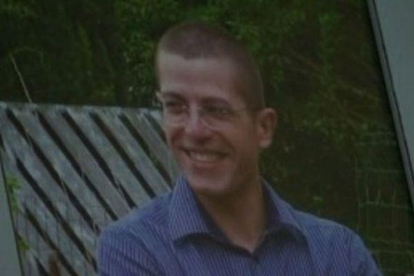 Le 1er novembre 2013, Grégory Girard s'est donné la mort avec son arme de service.