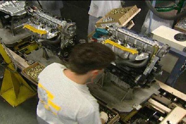 Archives- Dans l'usine de moteurs de Cléon