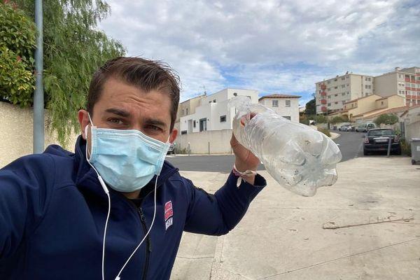 Benoît Schumann, créateur de l'association Project Rescue Ocean, propose un défi éco-citoyen sur les réseaux sociaux : ramasser un déchet par jour près de chez soi, lors de l'heure de balade autorisée pendant le confinement.