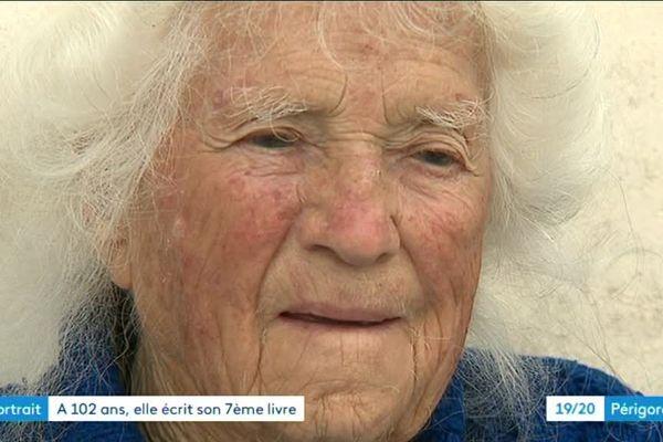 A 102 ans l'agricultrice écrit son 7ème roman