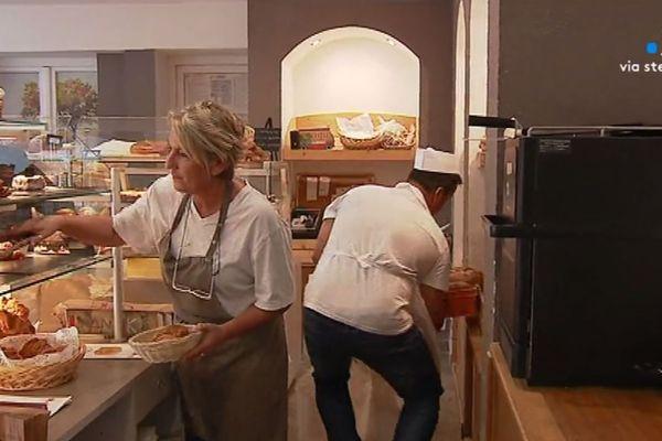 Jean-Baptiste embauche aujourd'hui 14 salariés dans ses deux boulangeries.