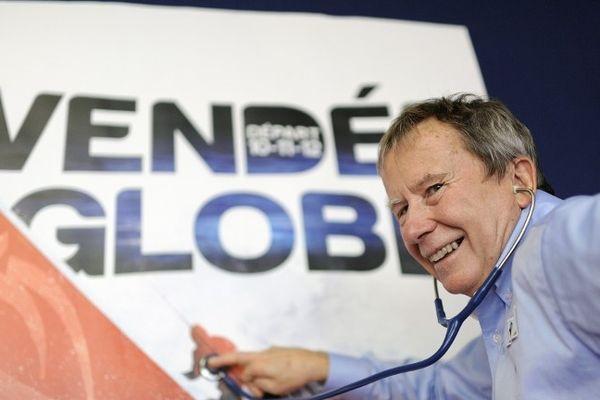 Jean-Yves Chauve à l'écoute des skippers du Vendée Globe