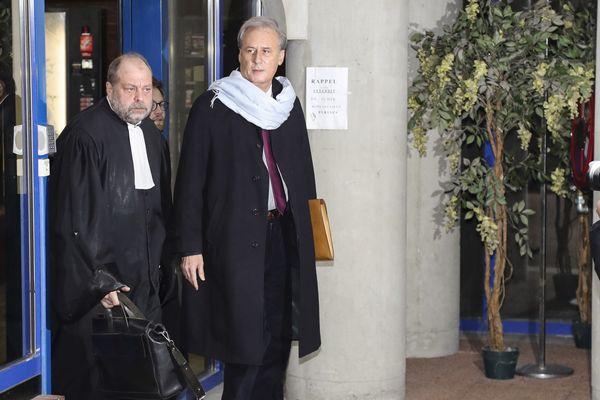 Georges Tron et son avocat Me Dupont-Moretti à la sortie de la salle d'audience, Tribunal de Grande Instance de Bobigny, le 12 décembre 2017.