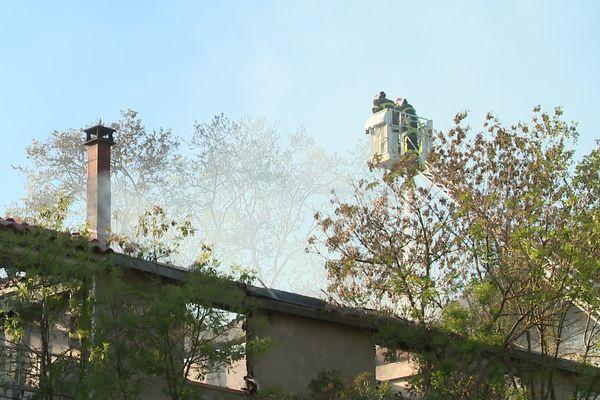 Une vingtaine de pompiers pour venir à bout de l'incendie