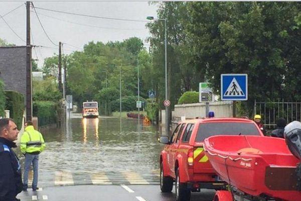 Le lac d'Auron déborde à Bourges (Cher)- rue Lanzenay - 2 juin 2016