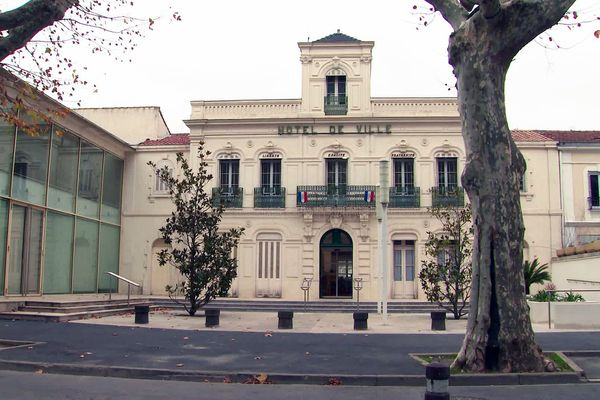 Mairie de Lunel dans l'Hérault.