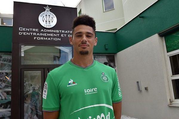 Kevin Malcuit (Niort) signe pour 4 ans chez les Verts - 28/8/15