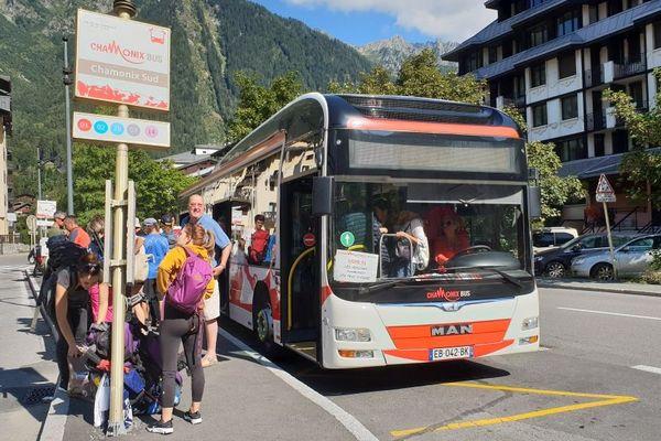 Une impressionnante flotte de bus va être déployée à Chamonix pour l'UTMB.