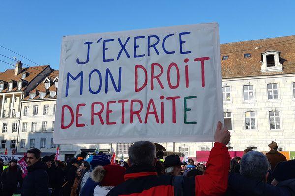Le 5 décembre, manifestation contre la réforme des retraites à Besançon.