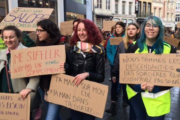 Une centaine de personnes ont défilé dans les rues de Lille.