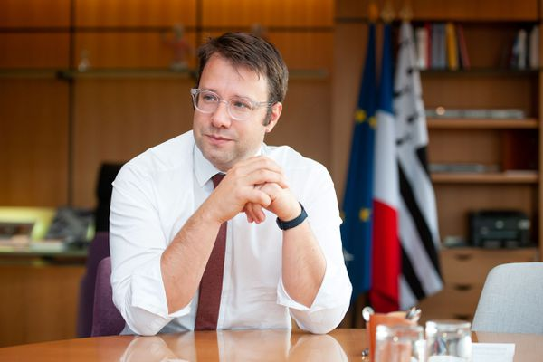 Loïg Chesnais-Girard , président du Conseil Régional de Bretagne (PS). Il sera candidat aux prochaines élections régionales.