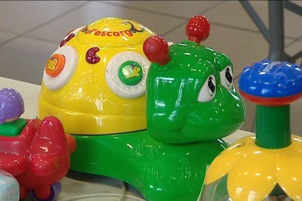 Des jouets du premier âge à l'adolescence