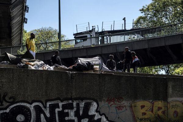 Un campement de migrants et de réfugiés porte de la Chapelle, au nord de Paris, en mai 2019.