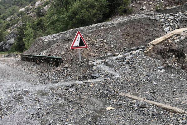 Plusieurs coulées de boue sur la D60 ont isolé la commune de Ceillac, toute la nuit.