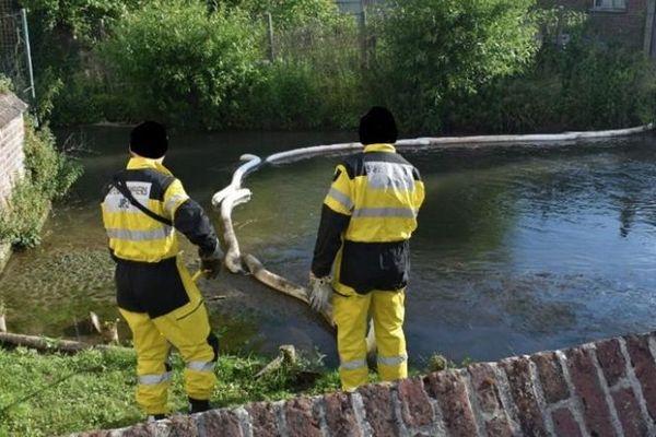 En avril dernier, les autorités françaises n'avaient pas prévenu leurs homologues belges d'un incident industriel qui avaient provoqué la mort de milliers de poissons.