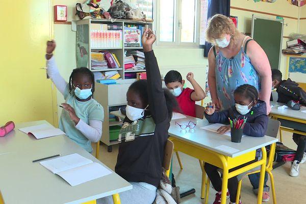 Ce jeudi 8 juillet, quelques élèves du quartier de Bréville au Havre ont pu bénéficier d'apprentissages personnalisés au cours de leurs vacances apprenantes.