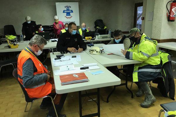 Le PC de l'opération de secours spéléo à Malbrans (Doubs).