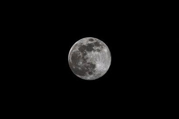 Une super lune était observable dans le ciel corse dans la nuit du mardi 7 au mercredi 8 avril. Il s'agissait de la plus grosse pleine lune de l'année 2020.