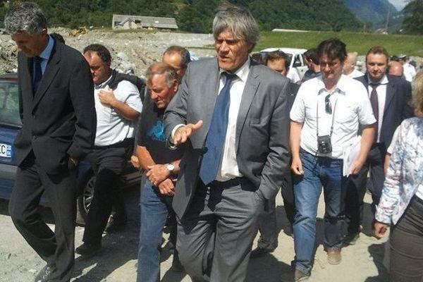 Le ministre a visité une exploitation sinistrée à Esquière-Sère