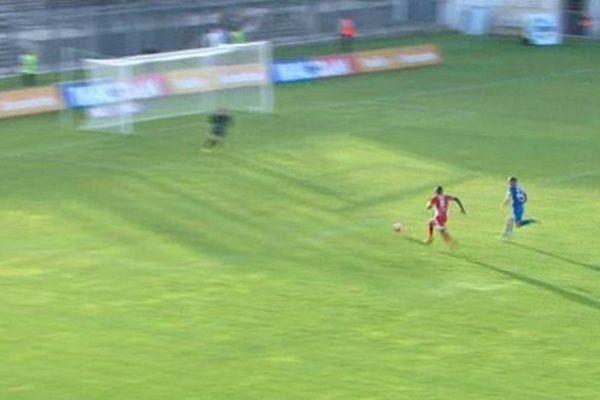 Les Crocos à l'attaque contre Créteil, lors du premier match de la saison