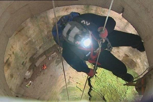 Les spéléologues de retour dans le puits de la Citadelle