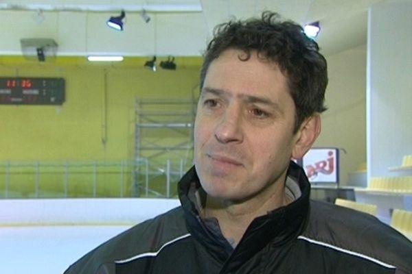 Ancien joueur emblématique et ex-entraîneur des Gothiques d'Amiens, Antoine Richer était directeur sportif depuis novembre 2011. Son palmarès amiénois compte deux titres de champion de France, comme joueur en 1999 et comme entraîneur en 2004.