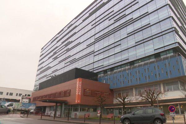 Des soignants de l'hôpital de Brive ont vu leur prime annuelle amputée car ils ont été en arrêt maladie, victimes du Coronavirus.