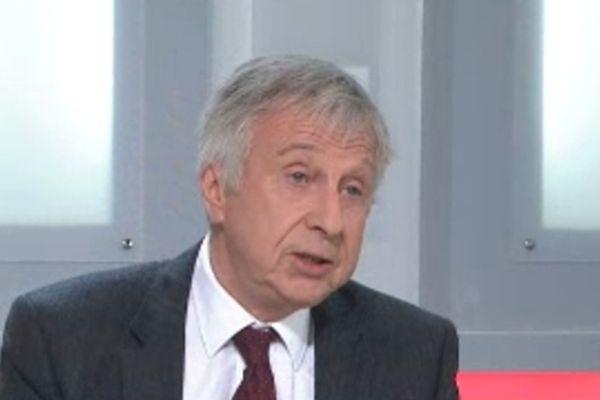 Jean-Pierre Masseret sur le plateau de la Voix est Libre Lorraine.
