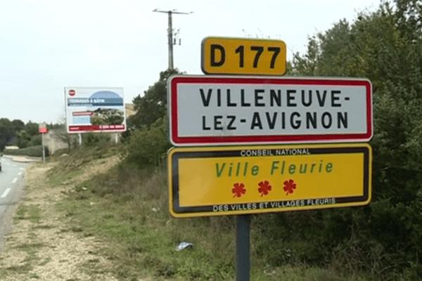 La fuite démographique à Villeneuve-lez-Avignon est notamment due à la flambée des prix de l'immobilier et au manque de logements.