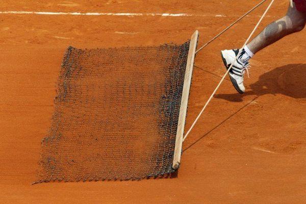 Deux courts de tennis en terre battue sont prévus au Vendespace