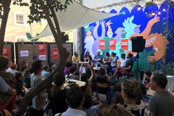 Réunis dans les locaux du Coco Velten, les militants ont amorcé une nouvelle phase du projet Primaire Populaire : l'élargissement de leur base de soutiens.