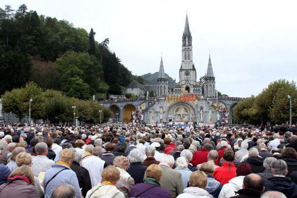 Le pèlerinage du rosaire à Lourdes en 2016