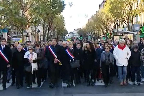 Près de 2500 personnes ont participé à la marche républicaine organisée par la Ville de Chalon-sur-Saône