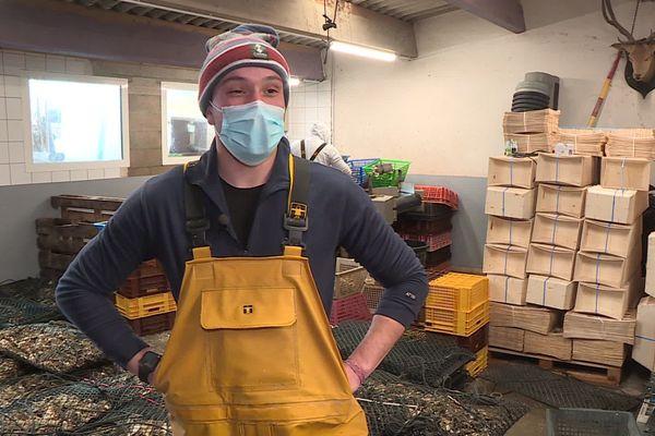 Les stocks sont prêts pour les fêtes de fin d'année. En deux semaines, Jordi Peralta peut écouler jusqu'à 20 tonnes d'huîtres.