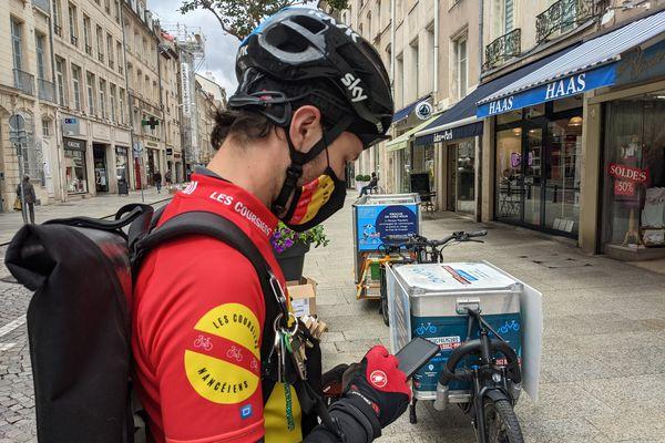Les livreurs nancéiens s'occuperont de la livraison avec leurs vélos cargos.