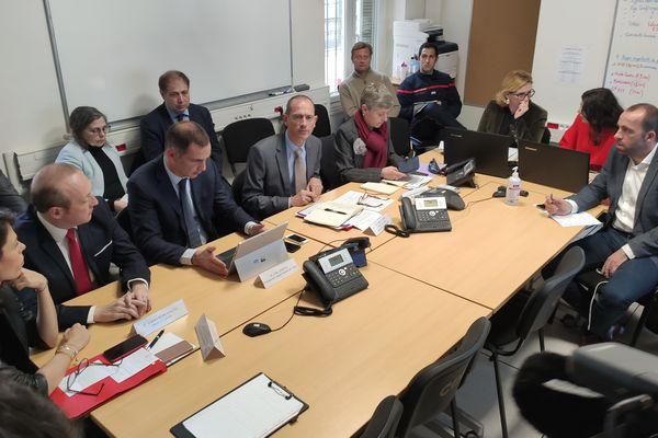 Réunion du centre opérationnel de défense à la préfecture de Corse après l'annonce de trois cas confirmés de Coronavirus, jeudi 5 mars.