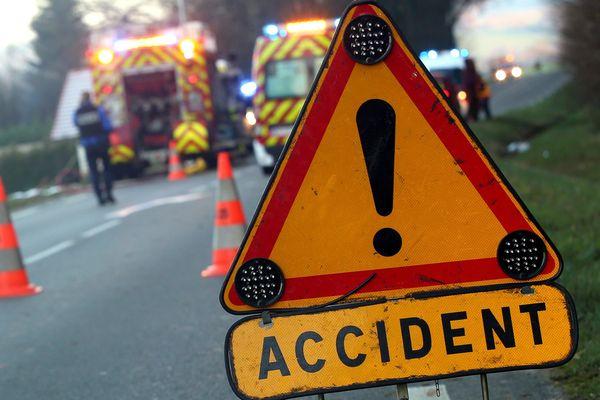 Un automobiliste a percuté un garçon de 14 ans à Lingolsheim et a pris la fuite. A la Robertsau, c'est un garçonnet de 9 ans qui a traversé hors de clous et s'est fait écraser un pied par une voiture.