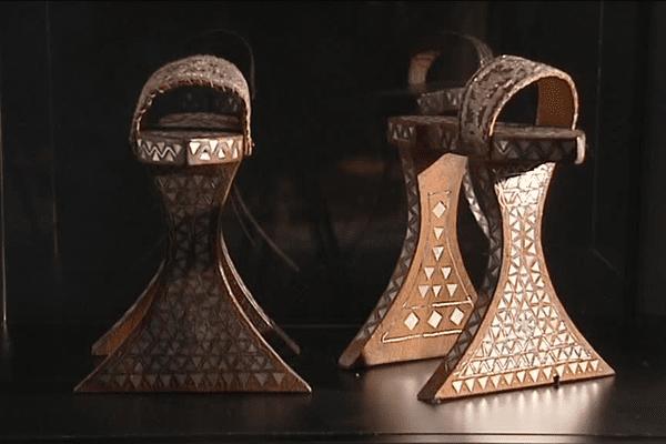 Sandales de Hammam (Syrie - XIXe siècle), Bois, nacre, cuir
