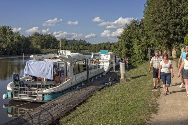 Les écourues permettent l'entretien des berges et la préservation des voies navigables.