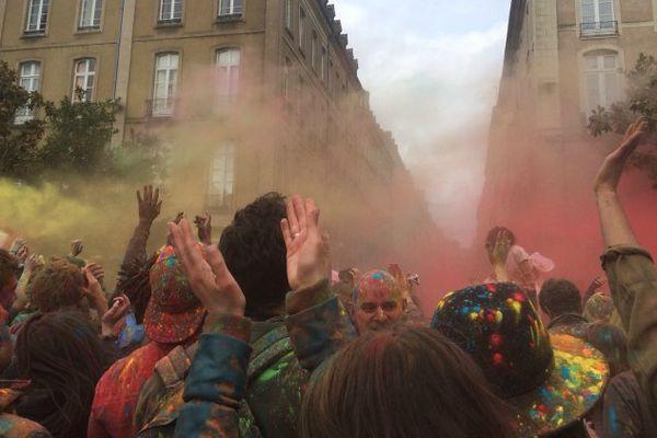 Le final de Color of Time sur la place de la Mairie