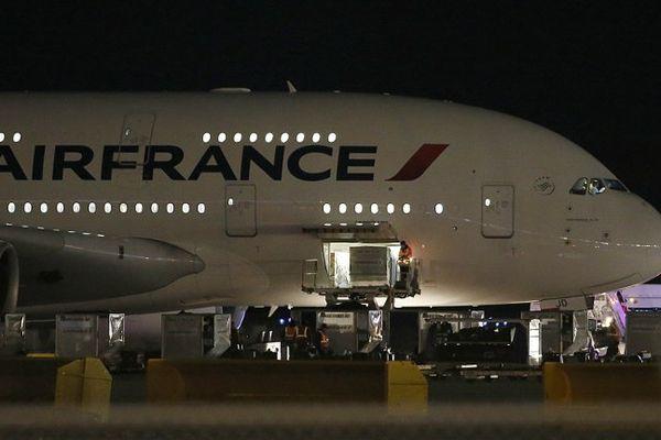 L'un des deux avions d'Air France déroutés par la compagnie, sur le tarmac de Salt Lake City (Utah).