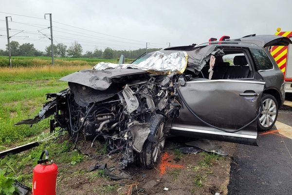 A Trévol, une automobiliste a été grièvement blessée dans un choc frontal avec un camion ce lundi 12 juillet peu avant midi, indiquent les pompiers de l'Allier.