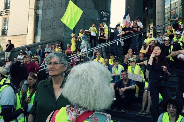Plusieurs dizaines de manifestants se sont réunis à l'appel du collectif des Mutilés pour l'exemple.