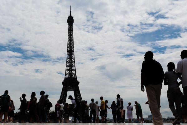 Image d'illustration. La tour Eiffel est fermée en raison des conditions météo
