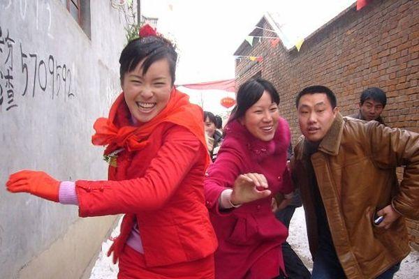 Scène de joie lors d'un mariage dans le nord de la Chine, photographiée par Yongming Guo