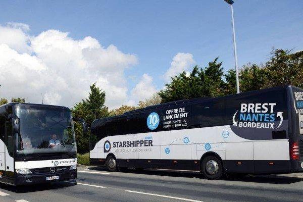 Des bus STARSHIPPER se croisent à La Rochelle
