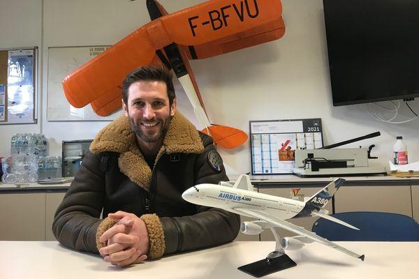 Matthieu Dècle et son blouson d'aviateur
